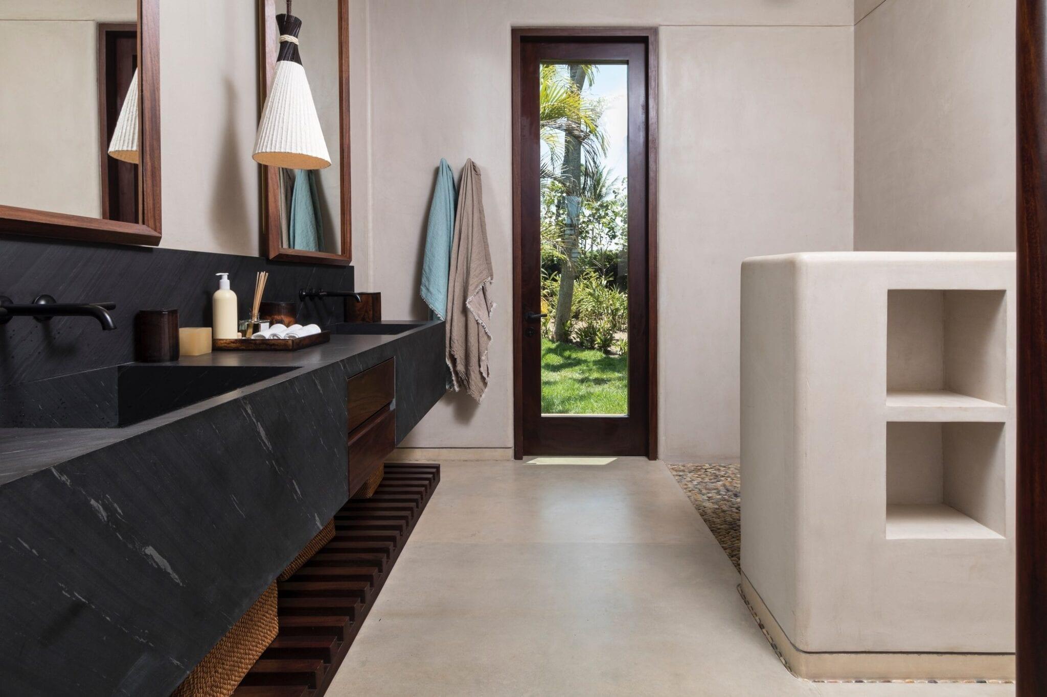 Casa Koko Coral Bathroom