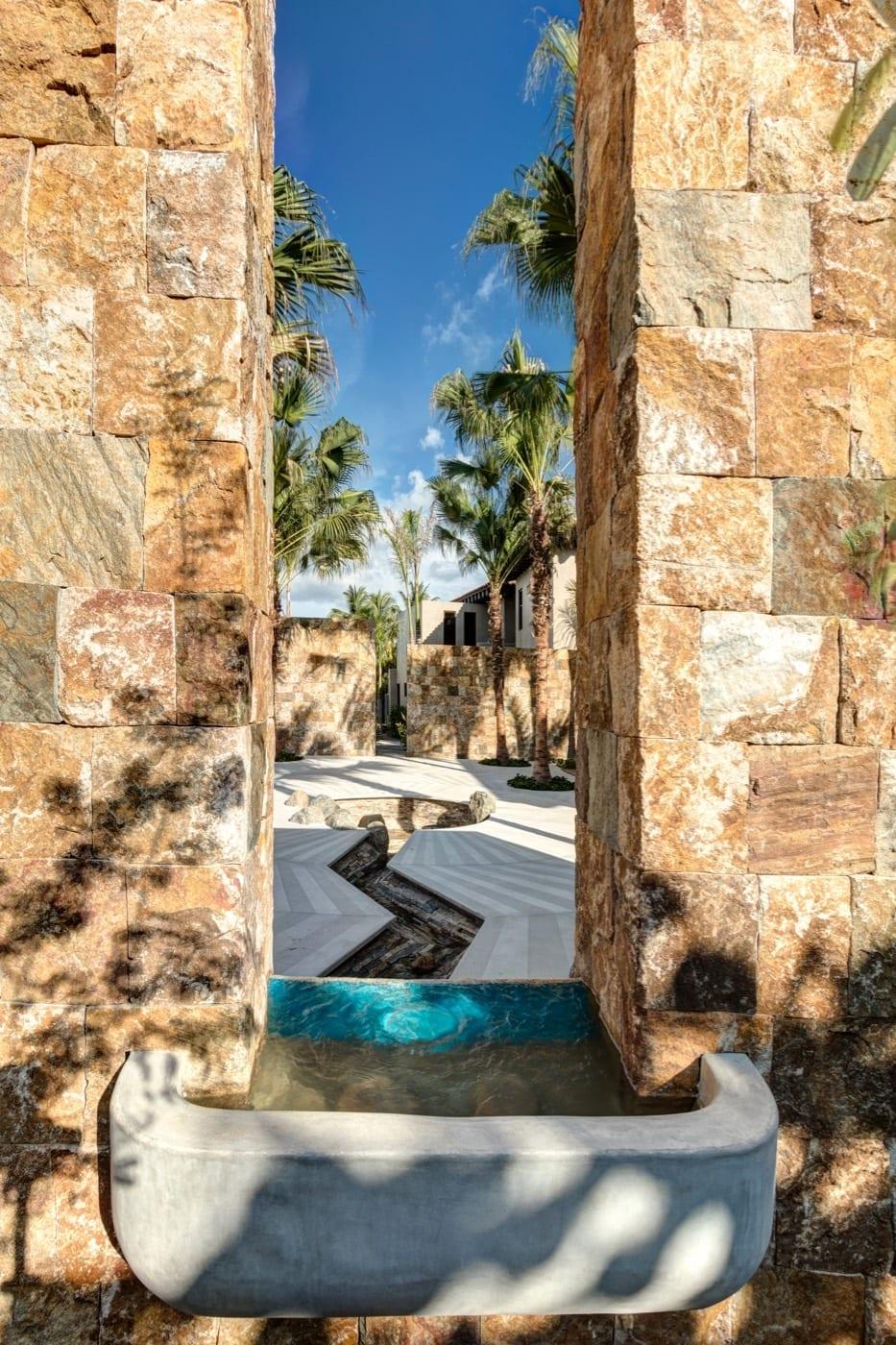 Casa Koko Detail Entrance Fountain From Behind