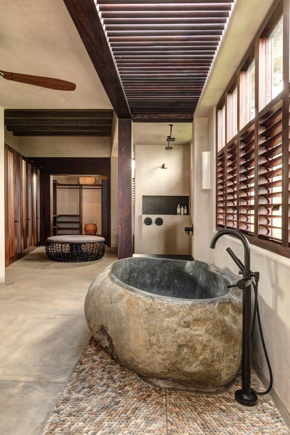 Casa Koko Sol Master Bath