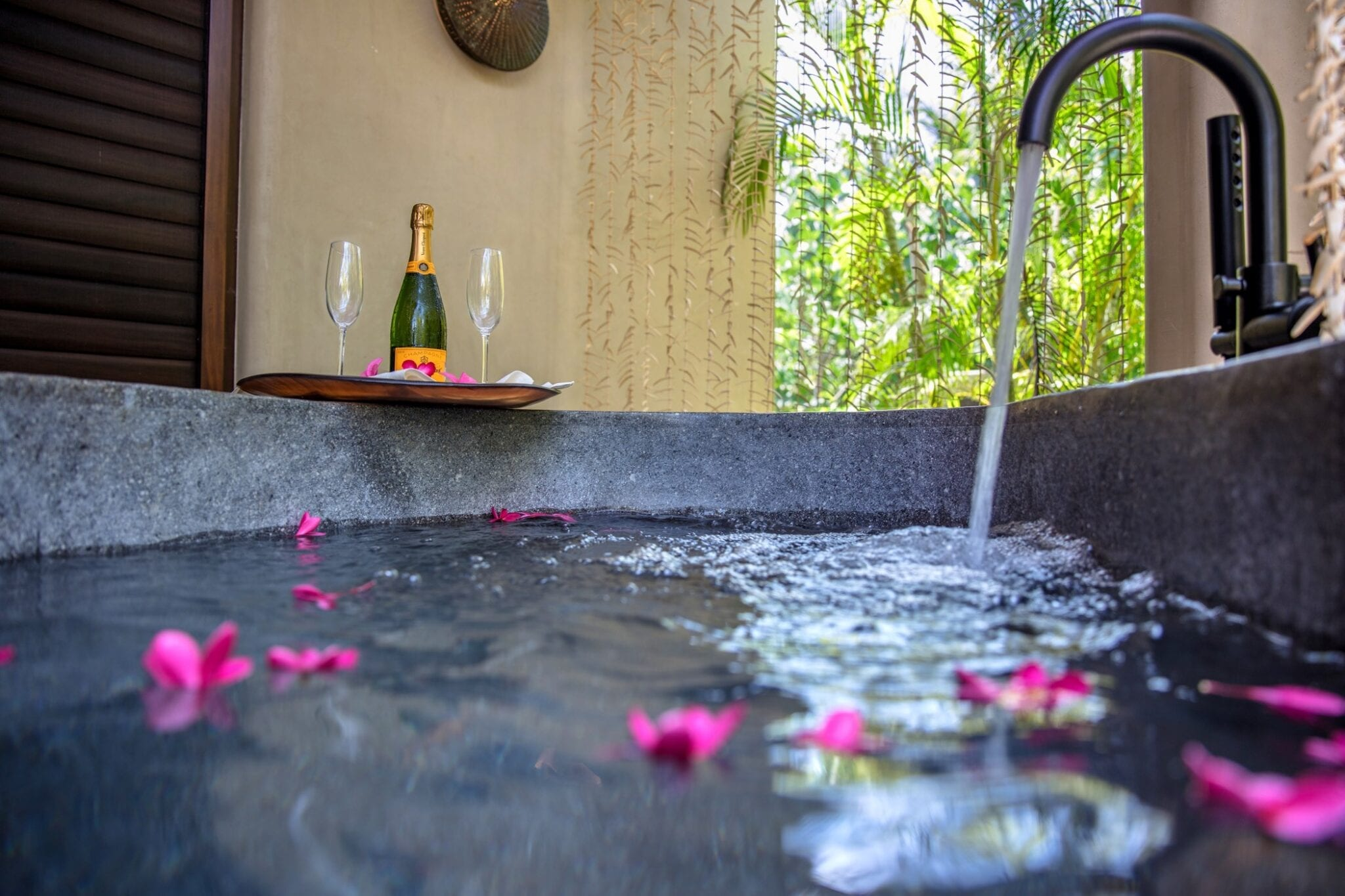 Casa Koko Agua Spa Outdoor Bathtub