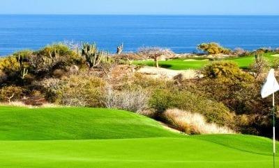 Jugando Golf en Acapulco Guerrero